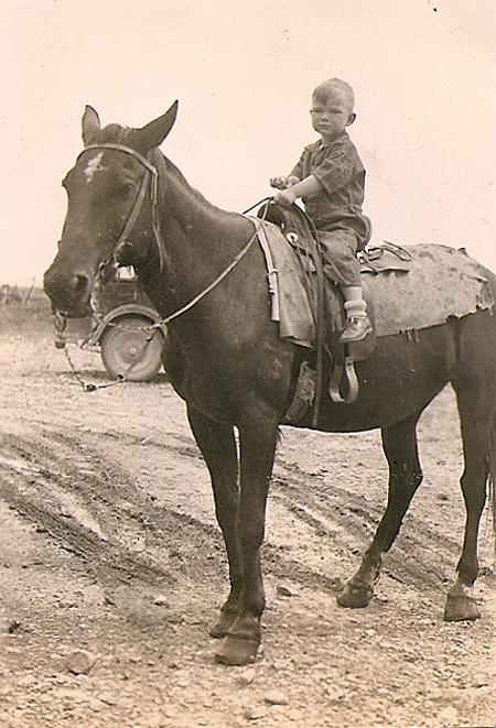 dad_horseback